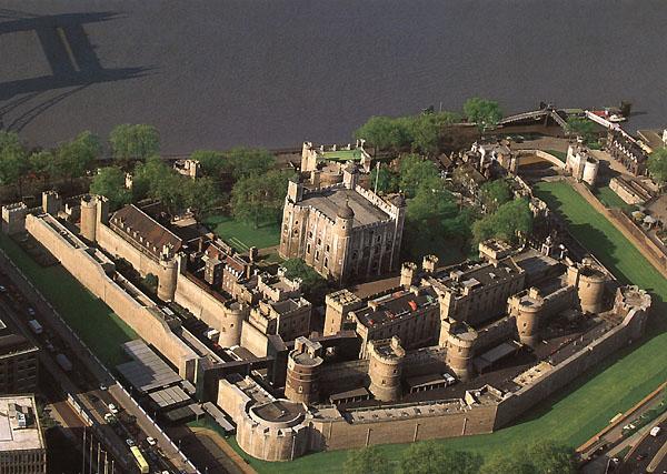 http://www.culturageneral.net/arquitectura/jpg/torre_de_londres.jpg